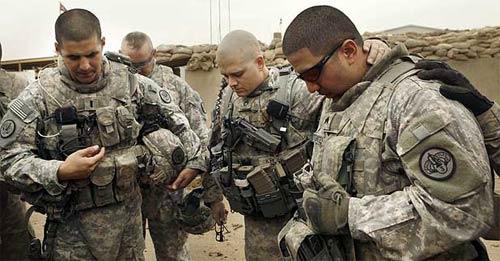 soldiers-praying.jpg